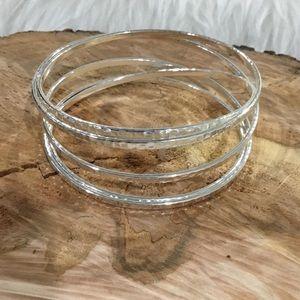 Premier designs silver hammered illusion bracelet